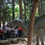 Peruanische Dinosaurier Skulptur Bildungsprojekte